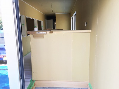 建設中-玄関