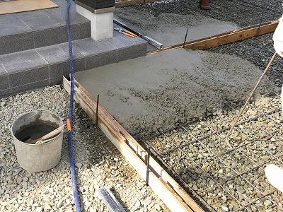建設中-駐車場コンクリート